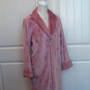 Super Soft Pink Zip Up Robe With Pockets